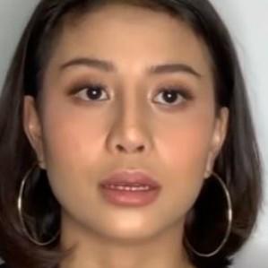 Sempat tutup akun, Awkarin mengaku hampir depresi karena sosial media! thumbnail