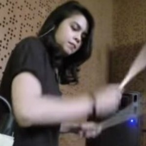 Obati kerinduan subscriber, Rani Ramadhany unggah cover drum throwback thumbnail
