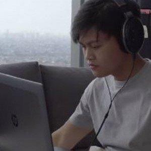 Jarang Bikin Konten YouTube, Agung Hapsah Jadi Gamers?  thumbnail